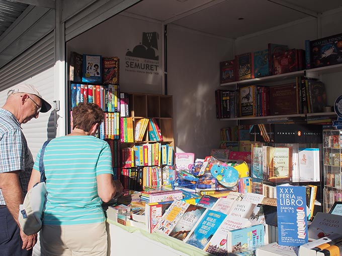 libreria-semuret-feria-del-libro-2015-zamora-img03